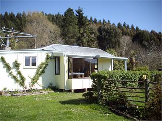 Forest Hill Cottage, 22 Reid Road, Waianakarua, Oamaru #1369: From $150.00 per night
