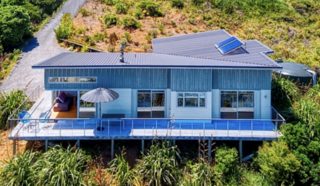 Lion Rock Lookout, Piha Road, Piha, West Auckland (Bachcare) From $195-$405 per night