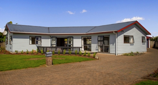 Whitianga Central, Cholmondeley Crescent, Whitianga (Bachcare) From $180.00 - $375.00 per night