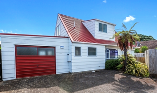 Julio's Haven (Bachcare) Leander Street, Mt Maunganui: From $185.00 - $350.00 per night