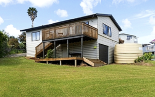 Hidden in Hihi, Hihi Road, Doubtless Bay (Bachcare) From $195-$345 per night