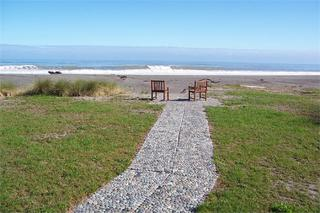 PENGUINS RETREAT, 287A STATE HIGHWAY 6, HOKITIKA #1365: From $195.00 per night