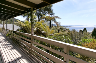 Lake Cottage, Hauraki Terrace, Pukawa Bay, Lake Taupo (Bachcare)