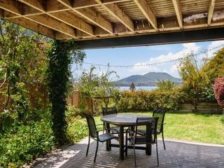 Acacia Bay Retreat, Sylvia Place, Acacia Bay, Lake Taupo (Bachcare)