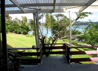 The Point House, Aucks Road, Russell (Bachcare) From $175.00-$315.00 per night