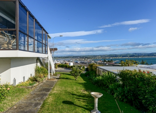 Gabrielle's View, Roslyn Road, Napier (Bachcare) From $190.00 - $355.00 per night