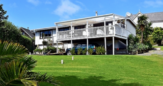 The Harbour House, Harbour View Road, Leigh, Matakana (Bachcare) From $195.00 - $315.00 per night