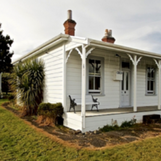 The Miners Cottage, Railway Row, Ohakune (Bachcare) From $130.00 - $295.00 per night