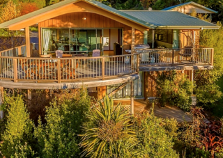 Paradise Escape (Bachcare) Amelia Crescent, Waikawa: From $195.00 - $395.00 per night