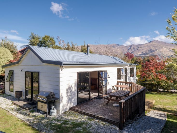 The Garden Chalet,Clematis Court, Wanaka (Bachcare)